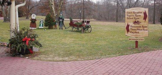 Joseph Ambler Inn: Christmas decorations