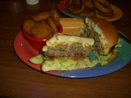 Smokin Joes BBQ : check out this cheeseburger!