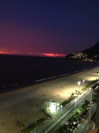 Sol Ipanema Hotel : By night