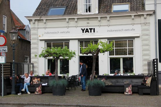 Pondok Makan Yati Indonesisch Eetcafe