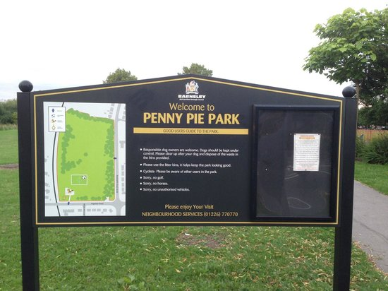 Barnsley, UK: Main Sign and Park Map
