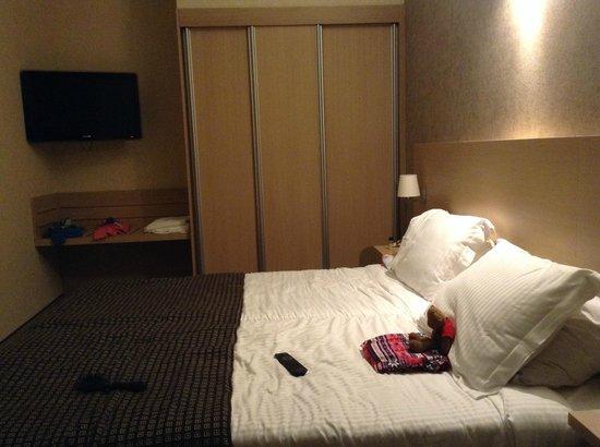 Hotel Navarra Brugge : Family room (adjoining door to double bedroom)
