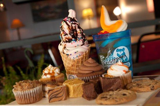 Freddies Frozen Yogurt Heber Springs: 12 Flavors Frozen Yogurt, 30+ Toppings, Cookies, Coffee and more.....