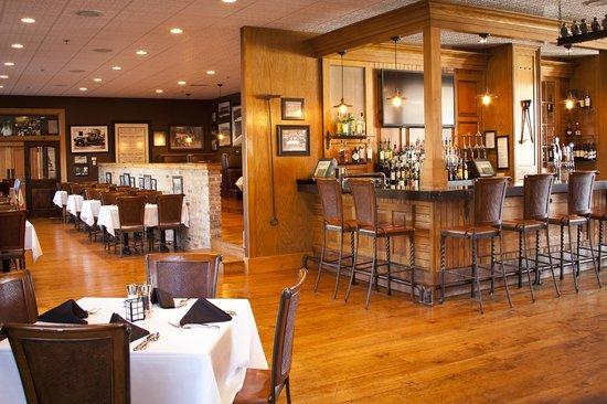 Ironworks Hotel: Merrill & Houston's Steak Joint