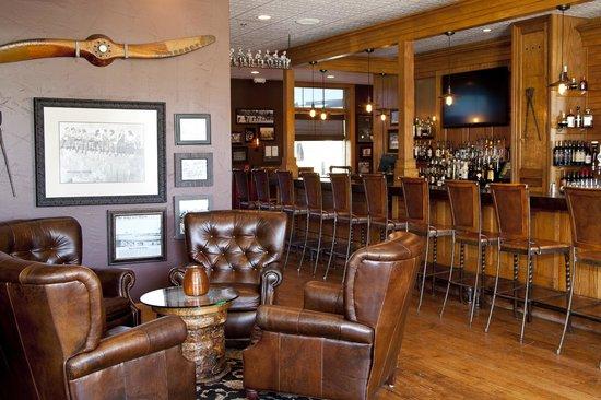 Ironworks Hotel: Merrill & Houston's Steak Joint (Lounge)