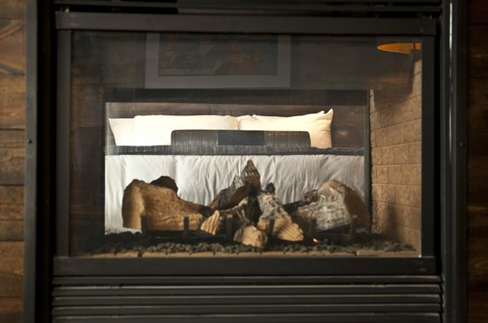 Ironworks Hotel: Double Sided Fireplace in the Heritage and Legacy Suites