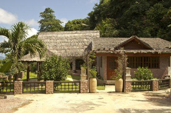 Colibri Guest House: Территория отеля