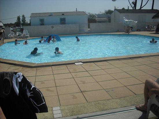 Camping Les Rouilleres: piscine enfants
