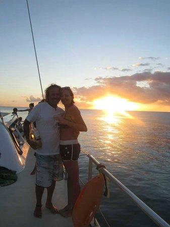 Cool Runnings Catamaran Cruises: Sunset,wine and a GREAT crew member!!!