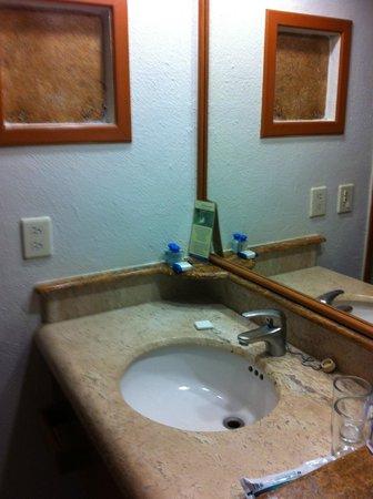 Plaza Pelicanos Club Beach Resort : bathroom