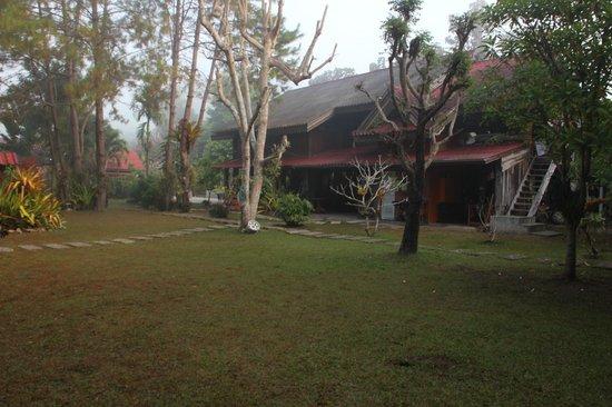 Umphang Riverside Resort