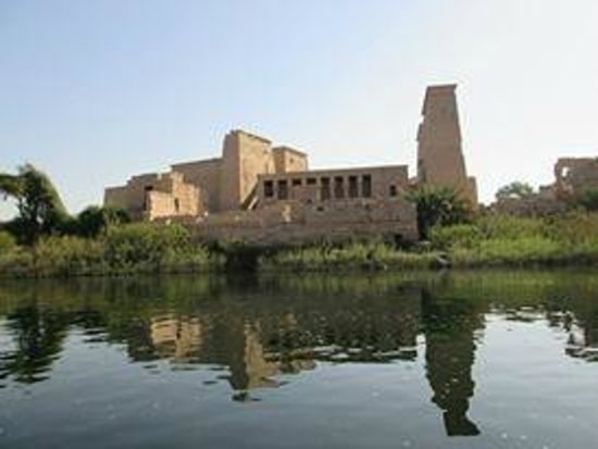 Philae Island : Philea - approaching from the water taxi