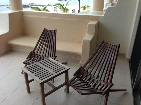 Paamul Hotel : Great porch furniture