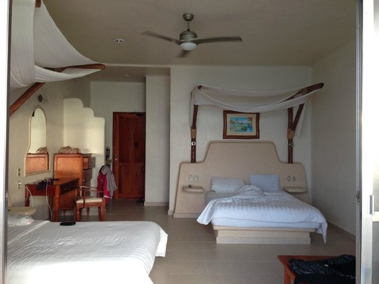 Paamul Hotel : The ceiling fan was all I needed