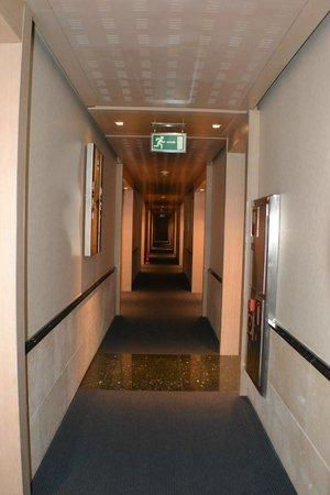Maydrit Hotel: Pasillos