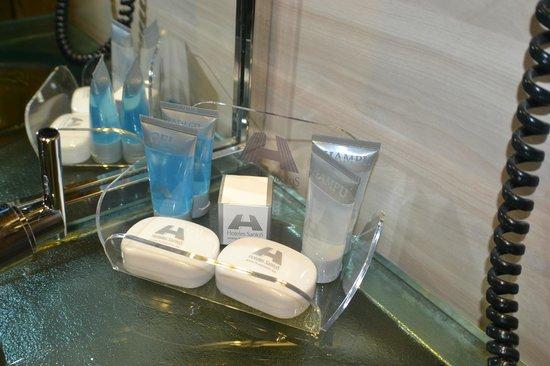 Maydrit Hotel: Detatlle productos de baño