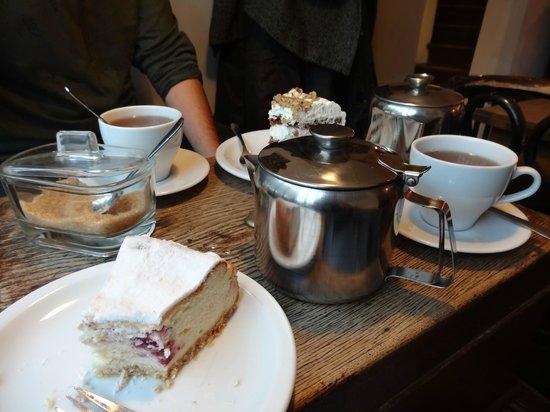 To Lubie: Cheese cake and Earl Grea tea