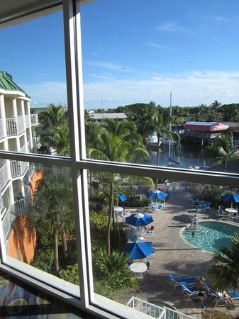 Courtyard Key Largo : Picture-windows on every floor with great views