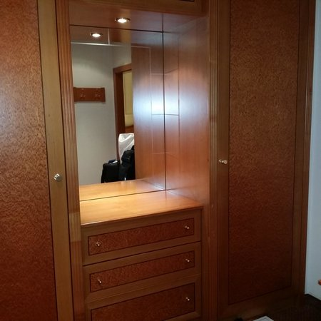 Hotel Baltschug Kempinski Moscow : Closets