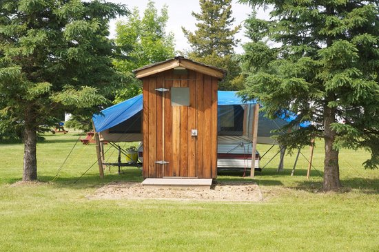 Whitemud Creek Golf & RV Resort: One of our very unique sites with flush toilet
