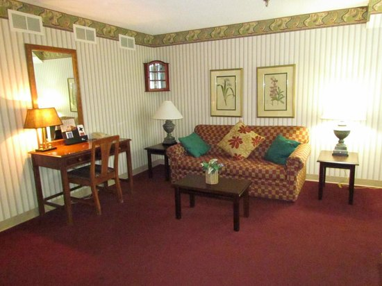 Colony House Motor Lodge : Suite