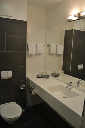 Rainers Hotel Vienna: Bathroom