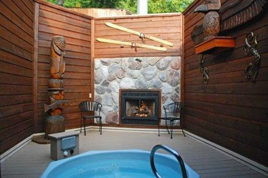 Oasis Hot Tub Gardens: Vancouver