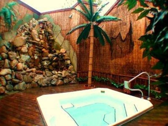 Genial Oasis Hot Tub Gardens: Borneo Rainforest
