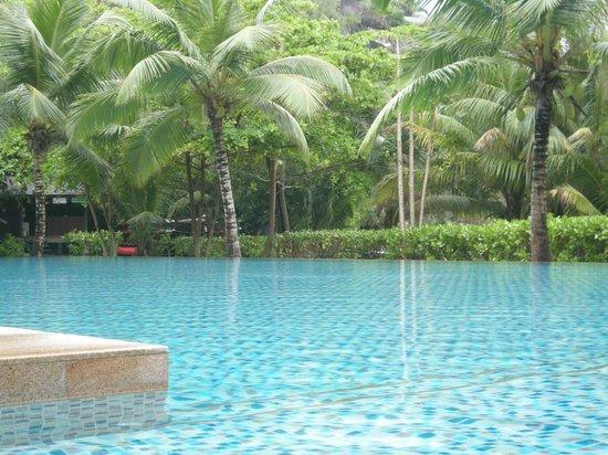 Four Seasons Resort Seychelles : БАССЕЙН