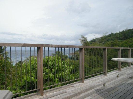 Four Seasons Resort Seychelles : ВИД С ВЕРАНДЫ ВИЛЛЫ