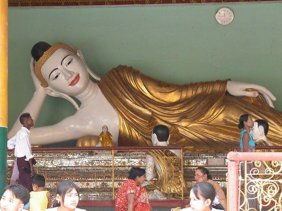 Reclining Buddha statue at Shwedagon Pagoda