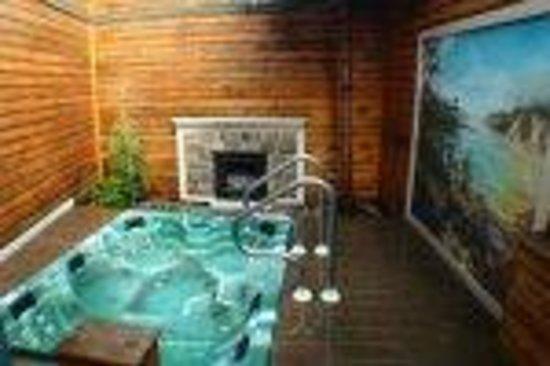 Isle Royale Picture Of Oasis Hot Tub Gardens Kalamazoo