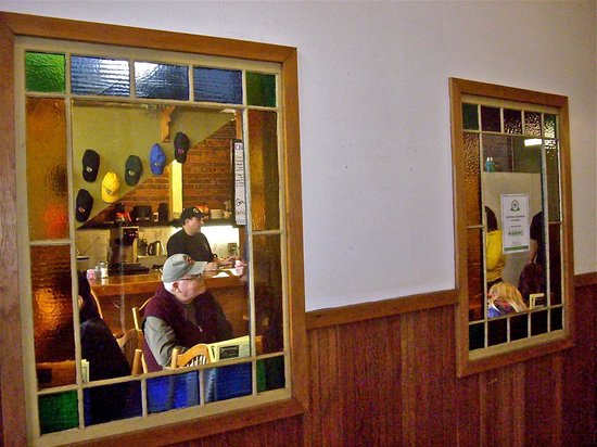 Buster's Main Street Cafe: View from inside Cottage Grove Hotel hallway