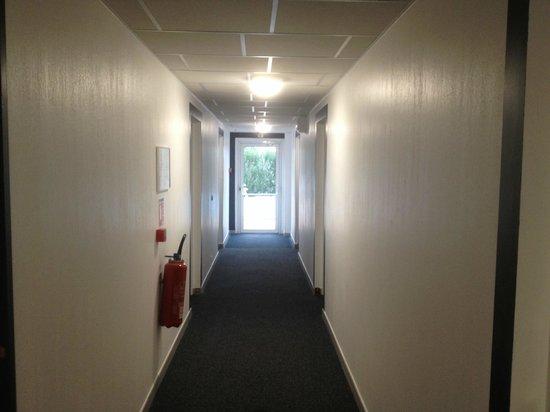 Hôtel Du Soleil Bleu : couloir