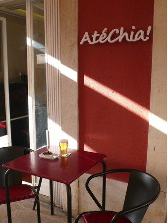 Ate Chia: Com o sol a dar a esplanada é irresistível!