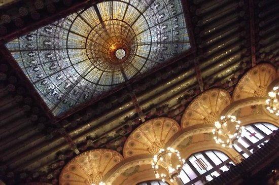Palais de la Musique Catalane (Palau de la Musica Catalana) : la coupole du Palais de la Musique à Barcelone