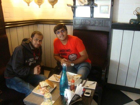Cafe Elchico: HOT seats