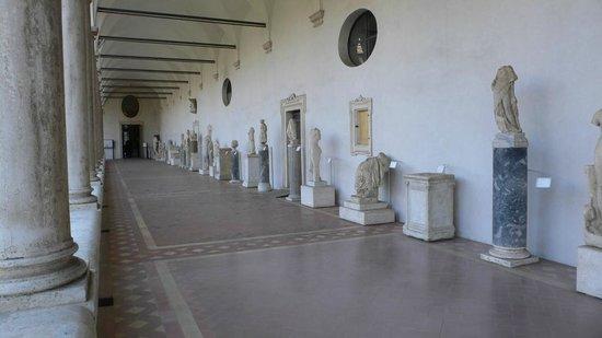 National Roman Museum - The Baths of Diocletian: Skulpturen im Kreuzgang