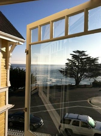 Seven Gables Inn : View From Fairmount Room (2nd Floor/Main House) of the gorgeous Pacific Ocean - HEAVEN!!
