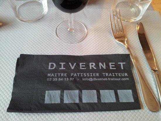 Restaurant Pâtissserie Saolon de thé Divernet : table