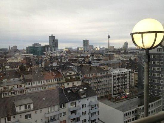 Hotel Nikko Düsseldorf: Panorama dalla SPA