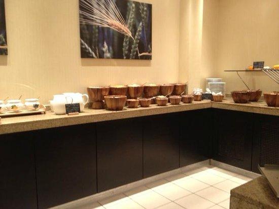 Hotel Nikko Düsseldorf: Breakfast buffet - Cereali