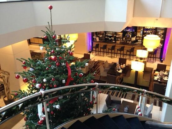 Hotel Nikko Düsseldorf: Il bar della hall