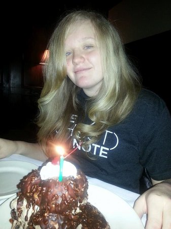 Bob's Steak and Chophouse: Birthday dessert!  DELICIOUS!