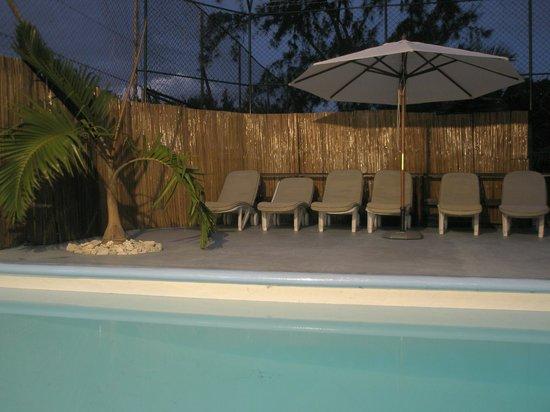 Eden Villa Hotel Mauritius: Terraza de la piscina