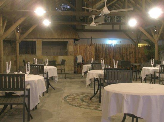 Eden Villa Hotel Mauritius: Romantico restaurante