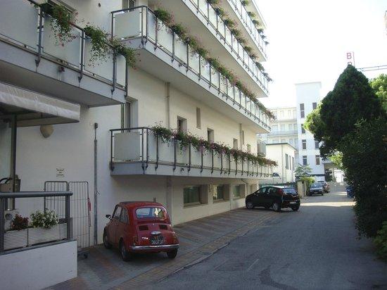 Hotel Madera: Здание гостиницы