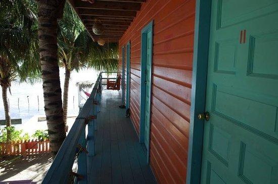 Yuma's House Belize : Veranda of private rooms