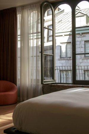 Le Petit Hotel: Extra Large room