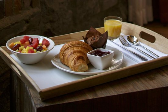 Le Petit Hotel : Continental breakfast included